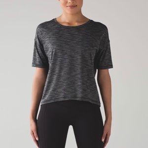 Lululemon Run It Out Tee Shirt in Heathered Black